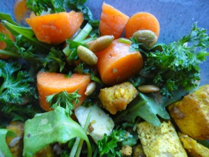 Salad With Pumpkin Seeds And Spicy Tofu