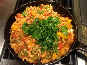 vegan and gluten free Spicy Macaroni with Bell Peppers and Tomatoes