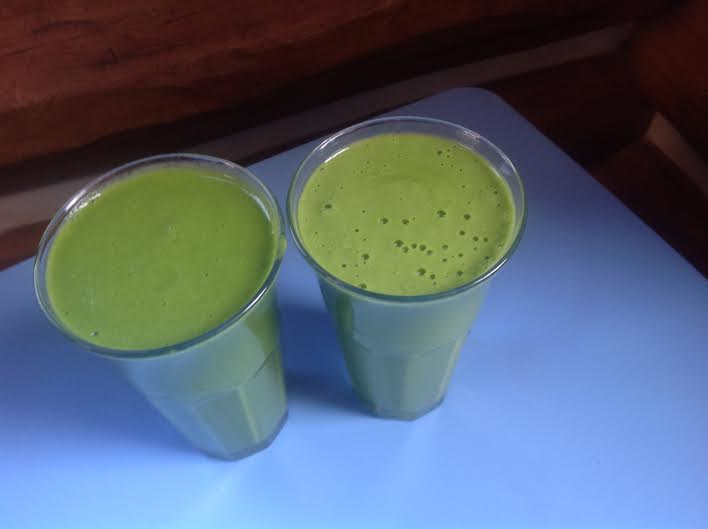 Sweet and Exotic Green Smoothie, vegan and gluten-free, raw
